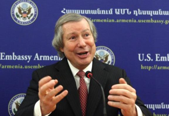 OSCE Minsk Group U.S. Co-Chair James Warlick in Yerevan (Source: Public Radio of Armenia)
