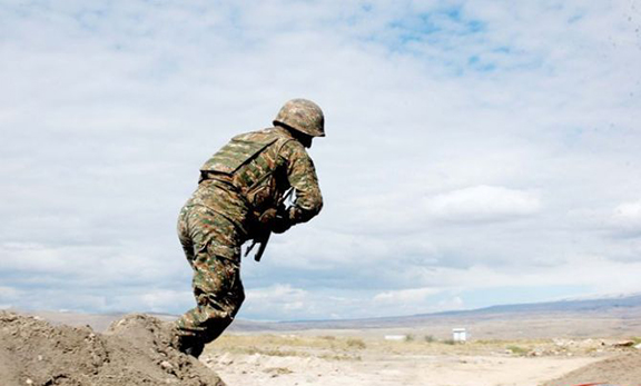 Artsakh Defense Army soldier near the border (Source: Armenpress)