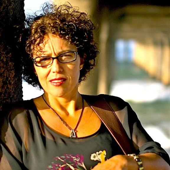 Singer, songwriter Ayline Amirayan