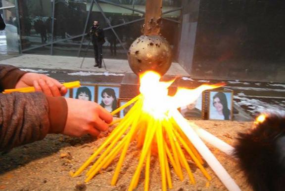 Candle light vigil held in honor of Avetisyan family. (Source: Armenpress)