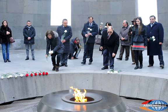 French Secretary of State Annie Garadin at the Genocide Memorial Complex. (Source: Armenpress)