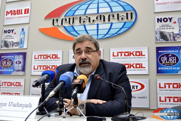 "ARF Bureau member Giro Manoyan at a press conference held by ""Armenpress"". (Source: Armenpress)"