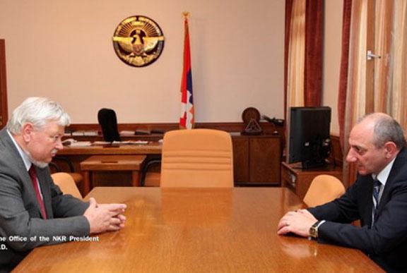 Ambassador Andzej Kasprzyk and Artsakh President Bako Sahakian. (Source: Artsakh President's Office)