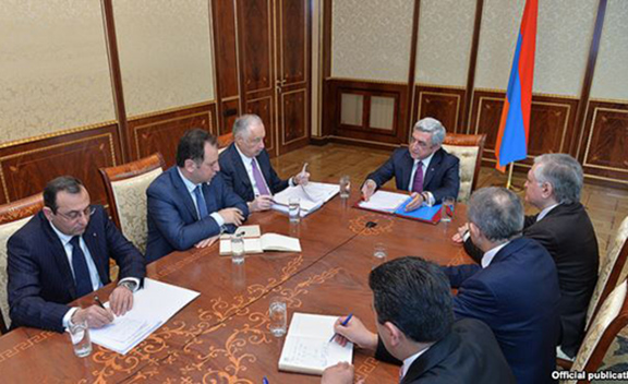 President Serzh Sarkisian holds consultations on boosting Armenian-French trade and economic relations. (Source: RFE/RL)