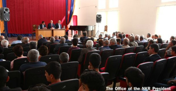 Artsakh President Bako Sahakyan met with relocated Talish residents in Charentsavan (Source: ArmRadio)