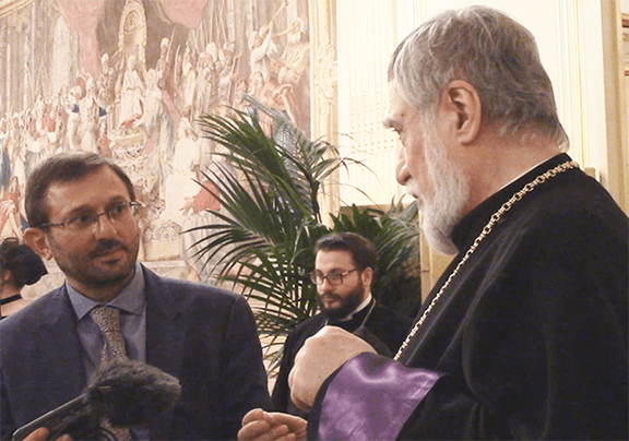 Catholicos Aram I conducts an interview with Yerki Media anchor Gegham Manukyan