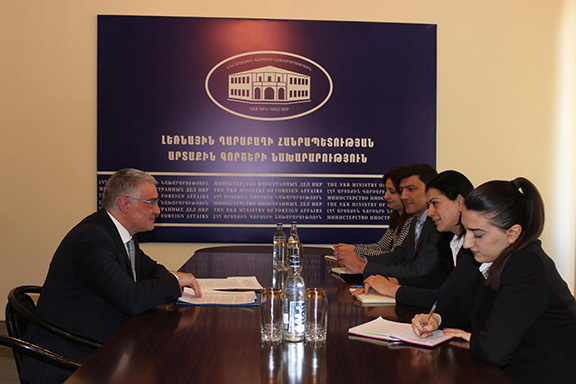 Armenia's Deputy Foreign Minister Ashot Hovakimyan (left) meeting with Artsakh Deputy Foreign Ministers Armine Aleksanyan and Felix Khachatrian (Photo: Ministry of Foreign Affairs of Artsakh)