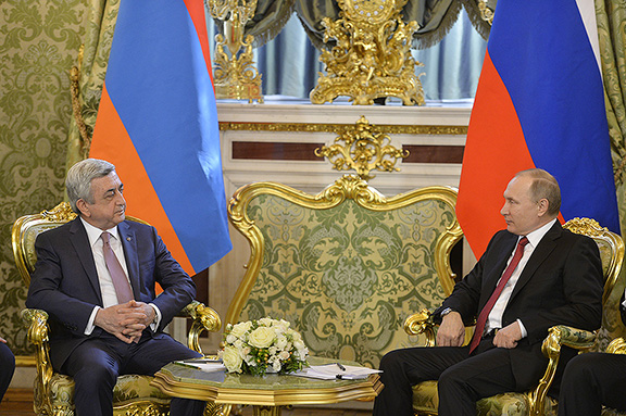 Putin (right) and Sarkisian during meeting in Moscow on March 15, 2017 (Photo: Press Office of the President of Armenia)