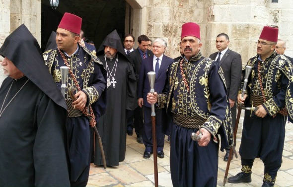 Armenian Patriarch of Jerusalem Manougian and Nalbandian visit Jesus' Tomb after restoration