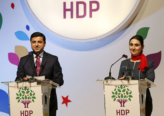 Peoples' Democratic Party Co-chairs Selahattin Demirtas (left) and Figen Yuksekdag
