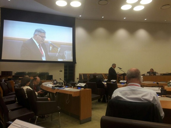 Head of the ARF delegation Hagop Der Khachadourian addressing the council meeting