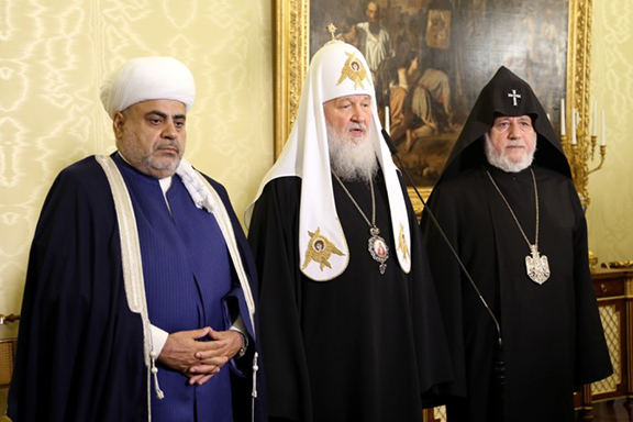 From left to right: Sheikh ul-Islam Allahshukur Pashazade, His Holiness Kirill, His Holiness Karekin II.