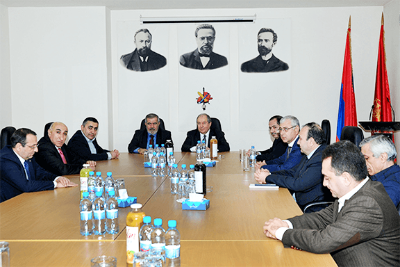Dr. Armen Sarkissian (center right) with ARF Bureau chairman Hrand Markadian (center left) and other ARF leaders during a meeting on Monday in Yeravan
