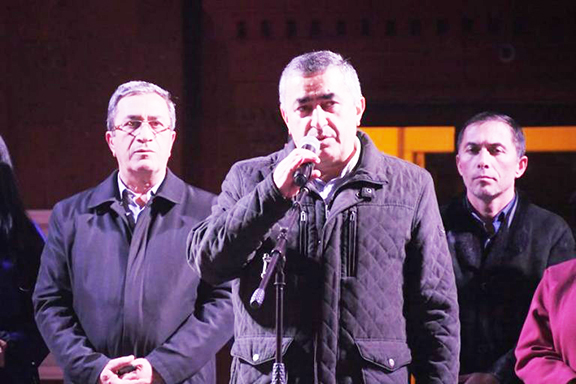 Armen Rustamyan, ARF Bureau member and frontrunner in this week's parliamentary elections, addresses an election rally in Yerevan