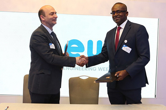 EIF Director Bagrat Yengibaryan (left) with ECA's Acting Director of ICT and Innovation Division, Almoustapha Amadou Cisse