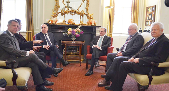 Foreign Ministers of Armenia and Azerbaijan, Zohrab Mnatsakanyan (center right) and Elmar Mammadyarov (center left) with the OSCE Minsk Group co-chairmen in Washington on June 20