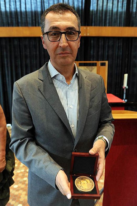 German politician Cem Ozdemir was awarded the Raoul Wallenberg Medal