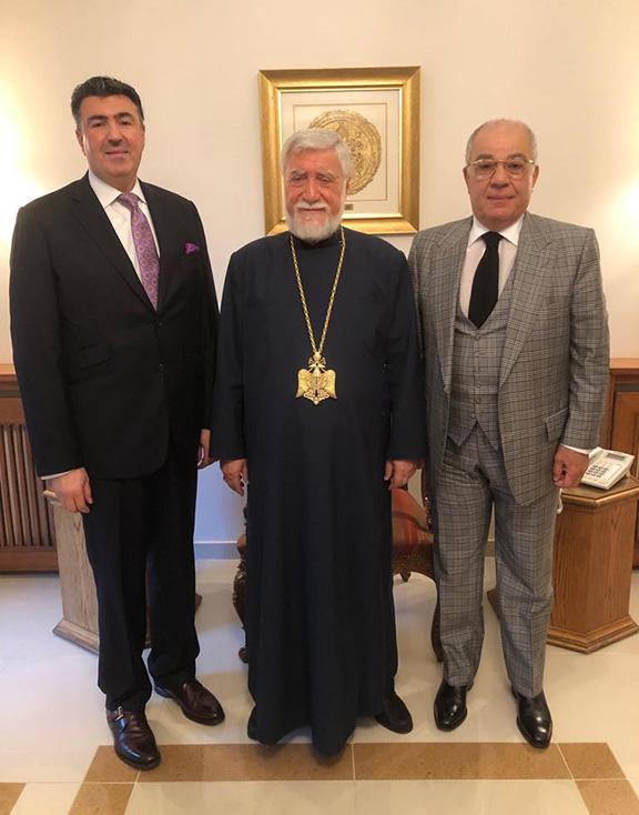 From l to r: Lebanon's Ambassador to Argentina Johnny Ibrahim, Carholicos Aram I, Lebanon's Honorary Consul to Fresno Harry Nadjarian