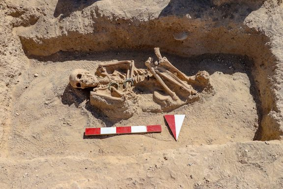 Remains of a woman dating back to the Urartu Kingdom unearthed in Van