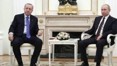 Russian President Vladimir Putin (right) with Turkey's Recep Tayyip Erdogan in Istanbul in Feb. 2020