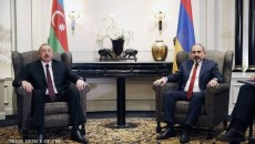 Prime Minister Nikol Pashinyan (right) with Azerbaijan's Ilham Aliyev during an earlier summit meeting on Karabakh