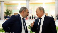 Prime Minister Nikol Pashinyan with Russian President Vladimir Putin