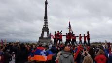 Armenians in Paris celebrate Artsakh