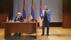 National Salvation Leaders Vazgen Manukyan (left) and Ishkhan Saghatelyan in Vanadzor