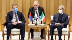 ICCIMA Head Gholam-Hossein Shafeie (r) and Armenian Economy Minister Vahan Kerobyan (l) meet in Tehran on Jan. 25.