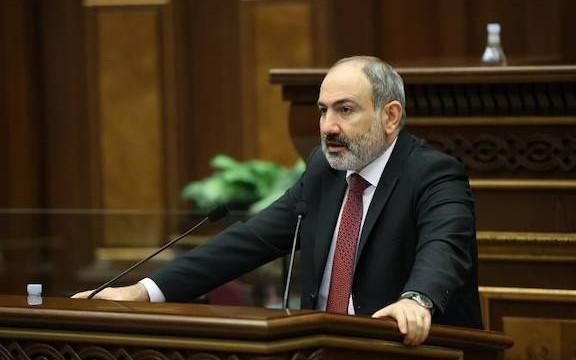 Prime Minister Nikol Pashinyan addresses parliament on April 14