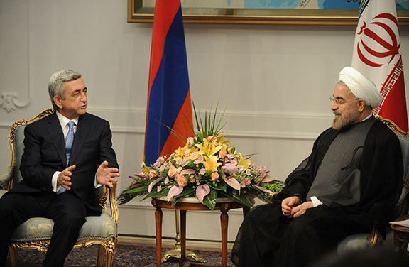 President Sarkissian and Iranian President Rouhani at a previous meeting. (Source: Public Radio of Armenia)