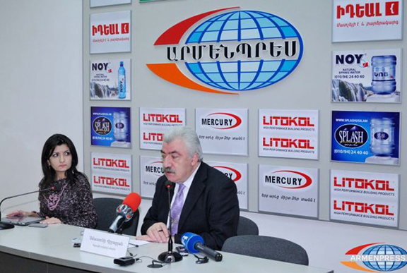 Director of Armenia's National Archives Amatuni Virabyan at a press conference. (Source: Armenpress)