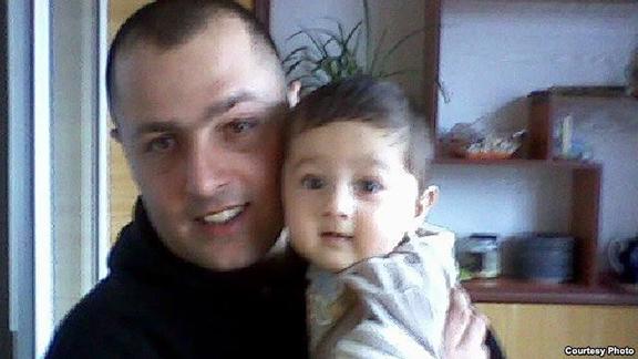 Aramayis Avakian and his daughter (Source: RFE/RL)