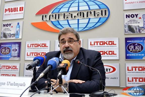"""ARF Bureau member Giro Manoyan at a press conference held by """"Armenpress"""". (Source: Armenpress)"""