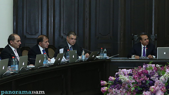 The recent cabinet meeting that adopted the Draft Electoral Code. (Source: Panorama.am)