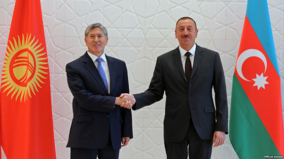 Persidents Ilham Aliyev of Azerbaijan and Almazbek Atambayev of Kyrgyzstan meet in Gabala on Aug. 15, 2013. (Photo: Press Service of the President of Azerbaijan)