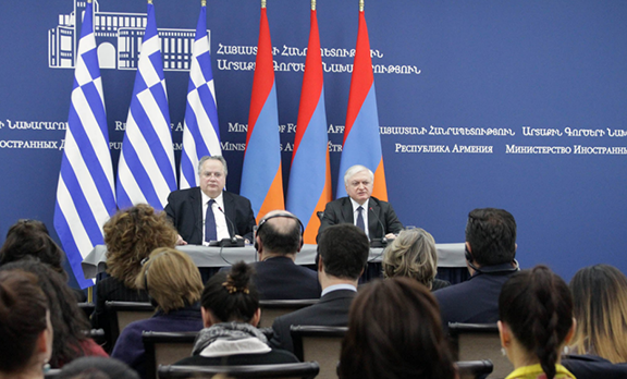 Armenian Foreign Minister Edward Nalbandian (left) during joint press conference with his Greek counterpart Nikos Kotzias (Photo: Ministry of Foreign Affairs of Armenia)
