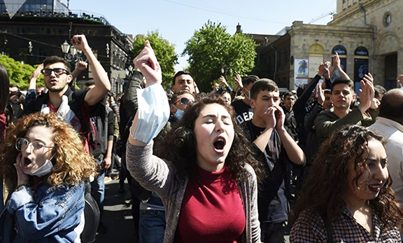 Young men and women have been protesting Serzh Sarkisian's new role as Armenia's leader (EVN Report photo)