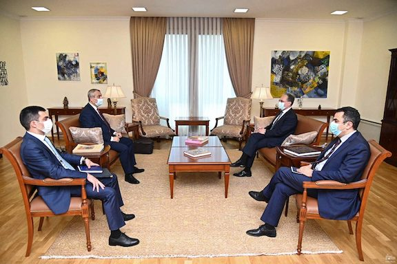 Foreign ministers of Armenia and Artsakh discuss next steps in peace talks