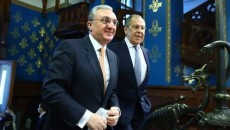 Armenia's Foreign Minister Zohrab Mnatsakanyan (left) met with his Russian counterpart Sergei Lavrov in Moscow on Oct. 21