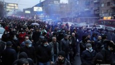 """Opposition protesters during Wednesday's """"March for Dignity"""" demanding Prime Minister Nikol Pashinyan's resignation"""