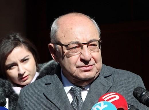 Opposition leader Vazgen Manukyan speaks to reporters