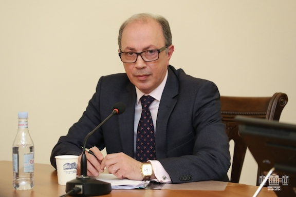 Foreign Minister Ara Aivazyan in parliament on March 29